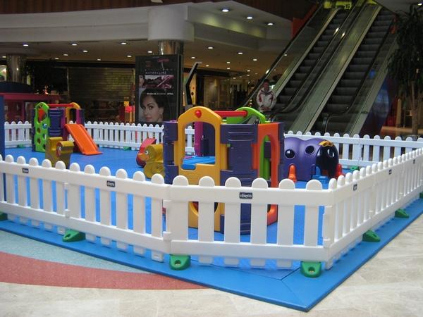Guardería en centro comercial